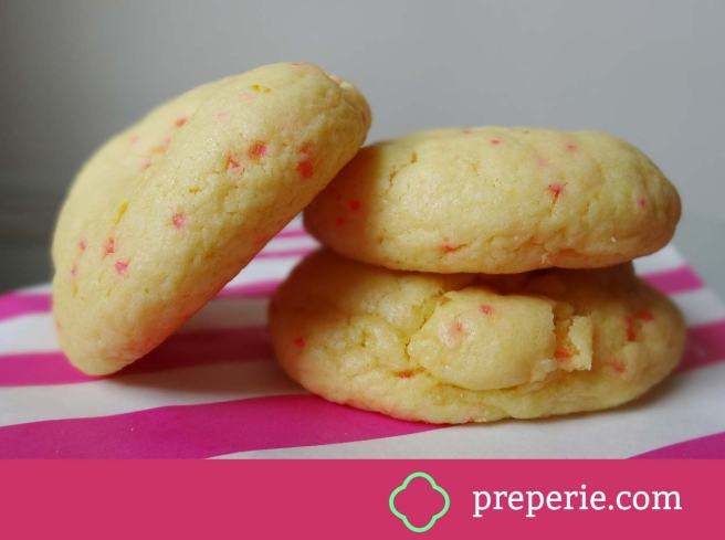 Recipe for refreshing, soft and chewy Lemon Cake Cookies Recipe | preperie.com